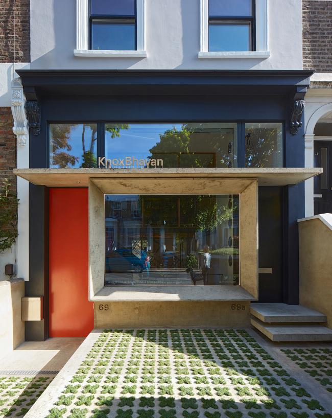 Офис архитектурного бюро Knox Bhavan, Лондон.  Knox Bhavan Architects. Фотография © Dennis Gilbert