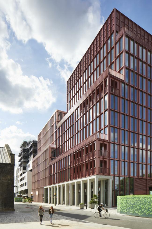 Офисный центр R7 в районе Кингс-Кросс, Лондон. Duggan Morris Architects and Weedon Architects. Фотография © Jack Hobhouse