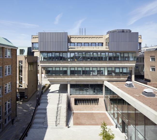 Корпус им. Дэвида Аттенборо Кембриджского университета.  Nicholas Hare Architects. Фотография © Alan Williams
