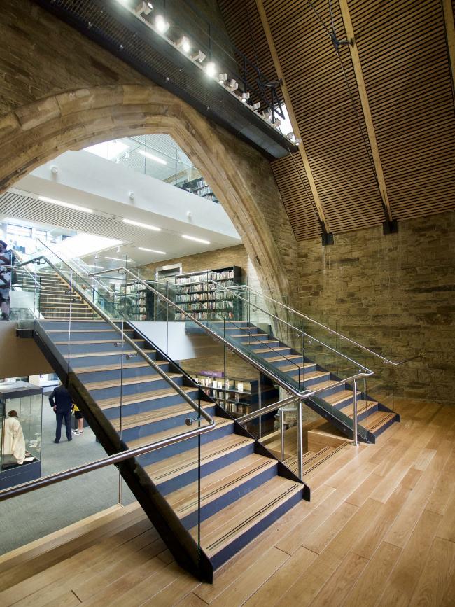 Реконструкция торгового комплекса The Piece Hall, центральная библиотека и архив Колледрейла, Галифакс © LDN Architects