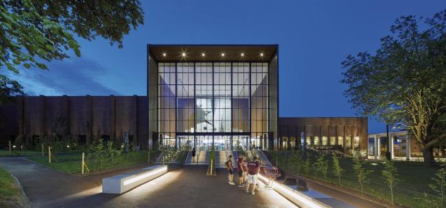 Спортивный центр Бирмингемского университета. Lifschutz Davidson Sandilands. Фотография © Paul Riddle