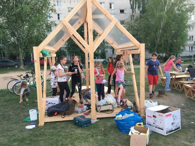 Идет строительство двора в Микрорайоне «Дружба». 2018 Фотография: Свят Мурунов