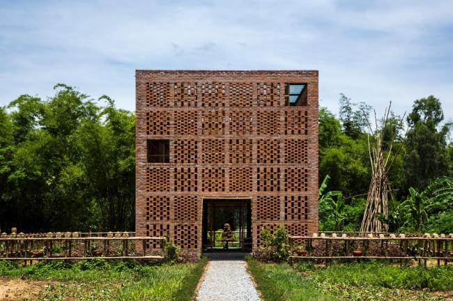 Terra Cotta Studio, Vietnam © Oki Hiroyuki