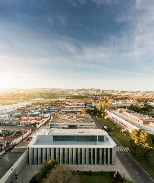 Штаб-квартира GS1 Portugal. Архитекторы Promontorio. Фото © Fernando Guerra / FG+SG