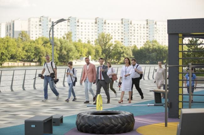 Первая очередь набережной ЖК «Ривер парк», открытие. Wowhaus, T+T architects. Фотография: МКА