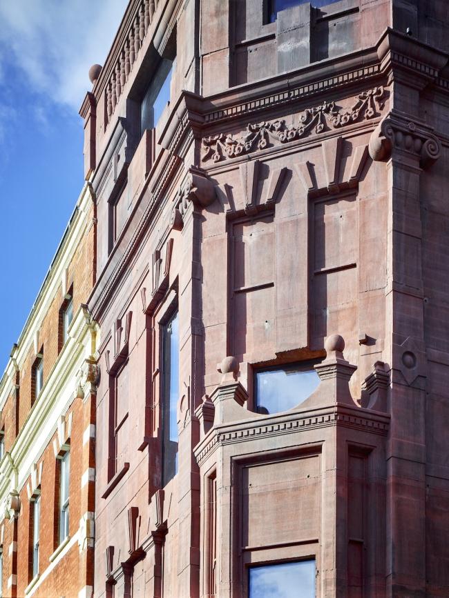 Многоквартирный дом с магазином 168 Upper Street. Фото: Tim Soar. Предоставлено Amin Taha + Groupwork