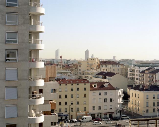Квартал А3 в районе Конфлюанс. Вид из окна В8 Татьяны Бильбао; слева – В5 Herzog & de Meuron и В3 Татьяны Бильбао © Maxime Delvaux