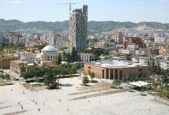 Площадь Скандербега. Тирана, Албания. Реконструкция по проекту 51N4E. Фотография © Filip Dujardin