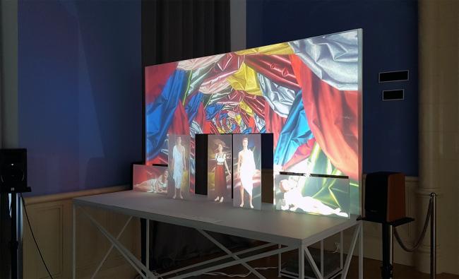 Постановка «Июльтеатра». Выставка «Гипноз пространства», Царицыно. Фотография: Ю.Тарабарина, Архи.ру