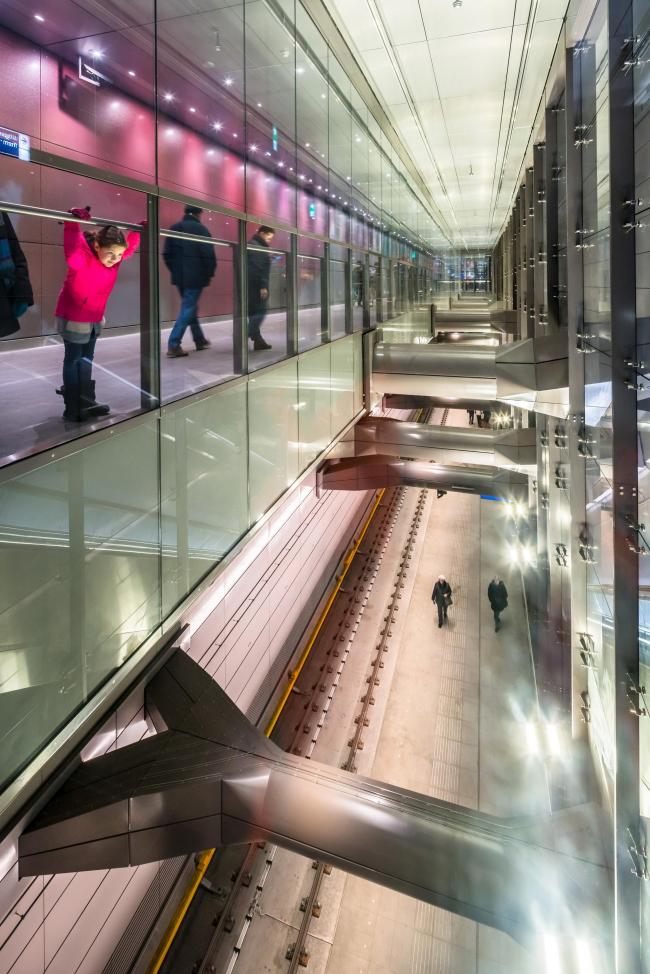Станции линии метро «Север – Юг». Станция «Де Пейп». Фото © Jannes Linders