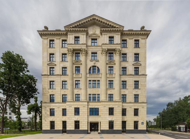 Жилой дом «Верона». Фотография: Андрей Белимов-Гущин © «Евгений Герасимов и партнеры»