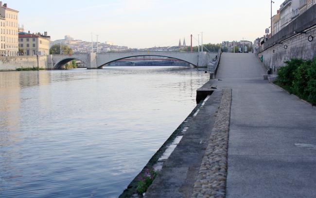 Набережная реки Соны, Лион. Фотография Архи.ру