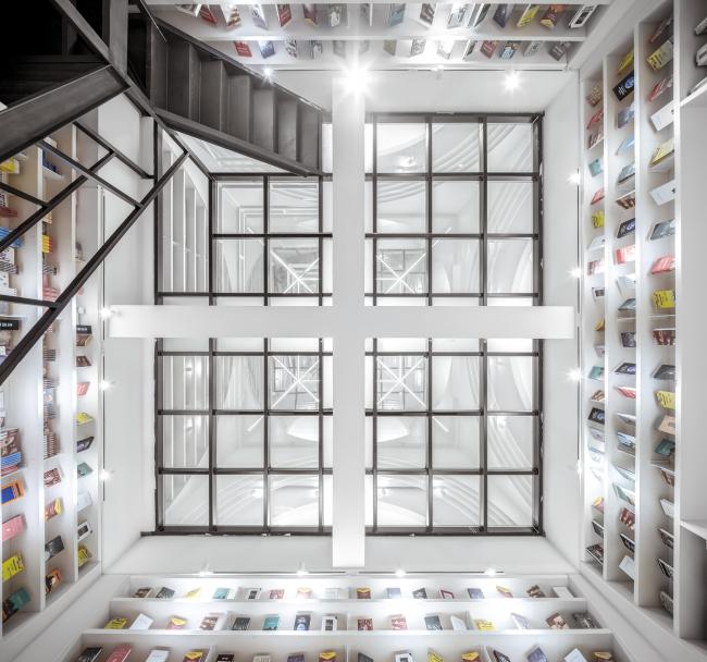 Книжный магазин «Чжуншу» в Сиани. Фото © CreatAR Images