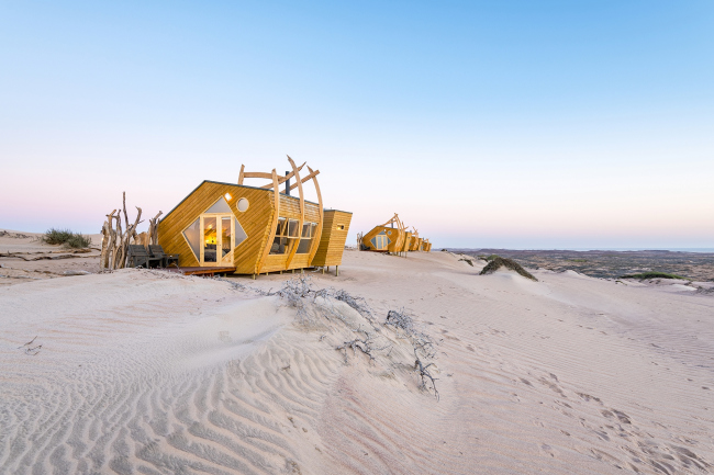 Отель Shipwreck Lodge. Фотография © Shawn van Eeden. Предоставлена Nina Maritz Architects