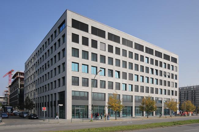 Офисное здание M_Eins. Фотография © Norman Radon, RADON photography