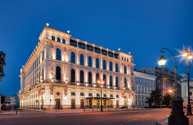 The hotel at the Ostrovsky Square © Evgeny Gerasimov & Partners