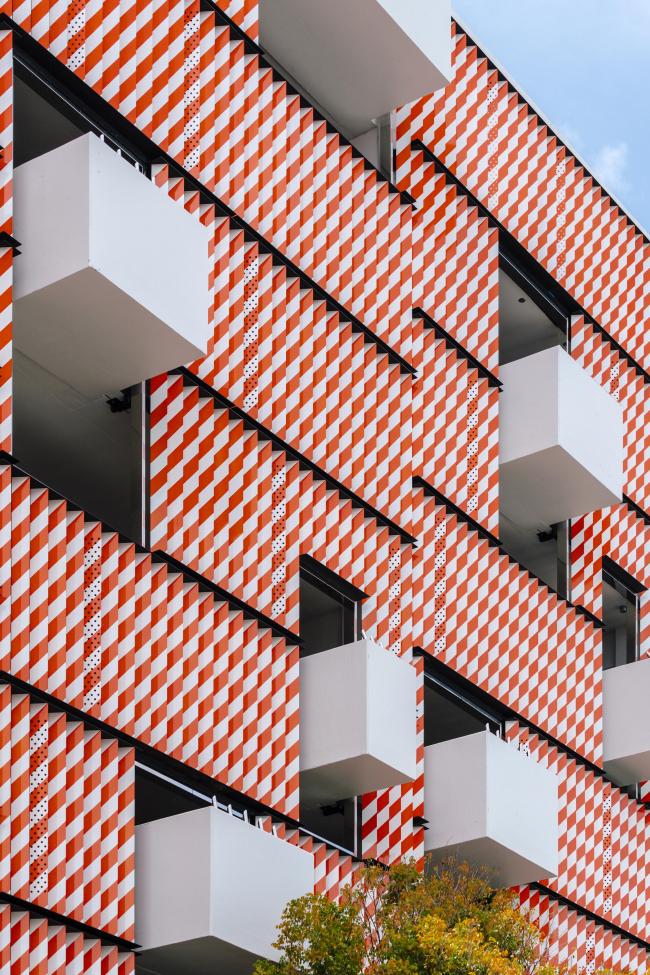 Museum Garage. Фасад K/R. Фото © Miguel de Guzmán
