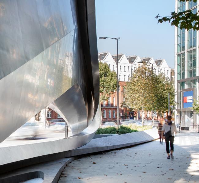 Рекламная конструкция The Kensington в Лондоне © Zaha Hadid Architects