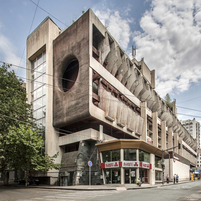 Техническая библиотека в Тбилиси (1985). Архитектор: Г. Бичиашвили © Roberto Conte