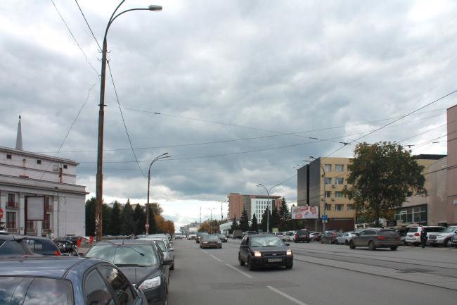 Гостиница на площади Советской Армии. Вид по ул. Луначарского от ул. Шарташская © АБ Center