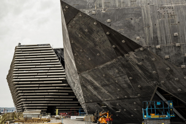 Филиал Музея Виктории и Альберта в Данди в процессе строительства. Май 2017 © Ross Fraser McLean
