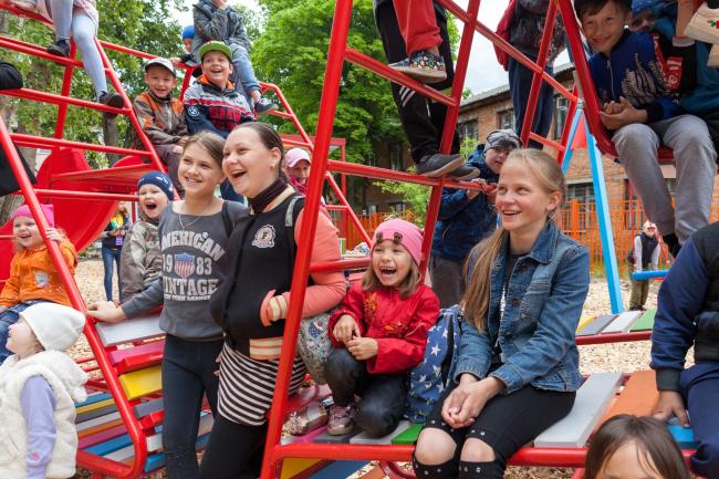 Открытие сквера на фестивале «Арт-Овраг 2018». Фотография предоставлена бюро «Дружба»