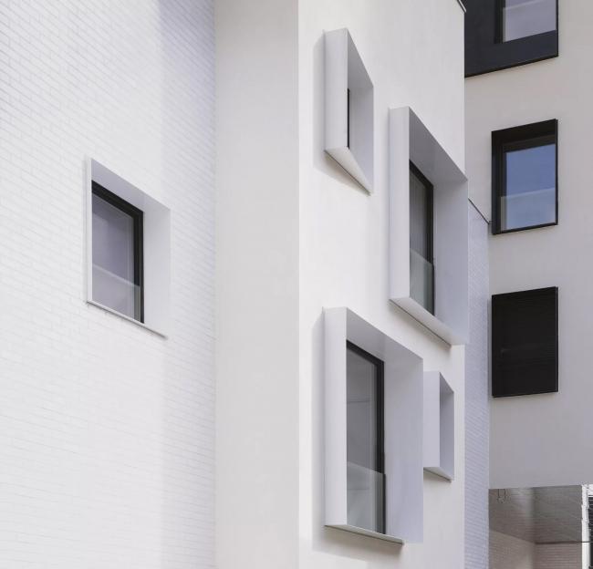 Использование систем внешнего ограждения «Реалит» RPE 35. Жилой квартал в Бельвиле, Париж, Франция. Авторы проекта: Antonini + Darmon. Фотография © Julien Lanoo