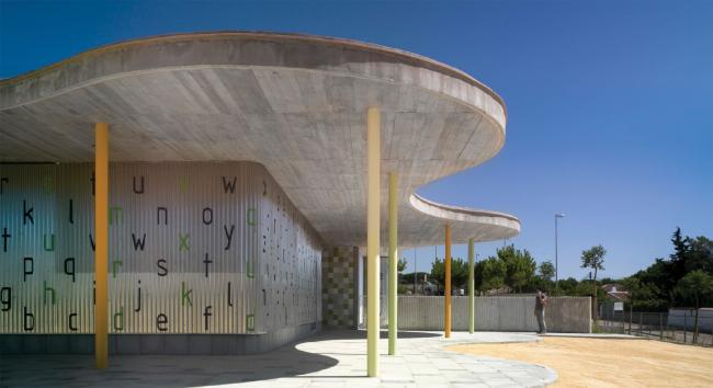 Новый павильон начальной школы La Barrosa.  Кадис, Испания.  Gabriel Verd Arquitectos