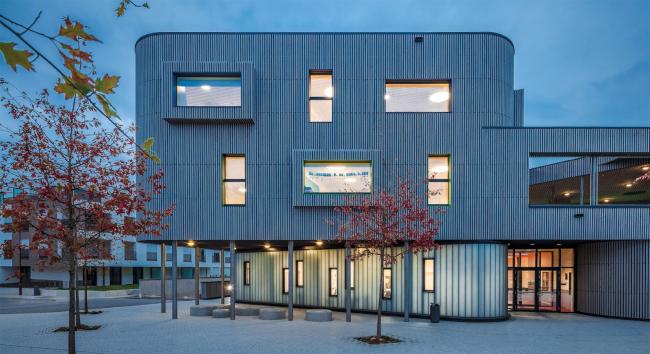 "Детский центр ""Maison relais OP HUDELEN"".  Шиффланж, Люксембург.  Alleva Enzio Architectes & Associes S.AR.L"