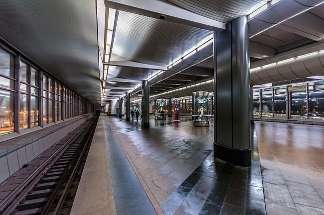 """Станция метро «Воробьёвы горы"""" в Москве. Фото © Alex Florstein Fedorov, Wikimedia Commons"""