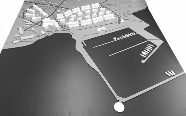 Рекреационный комплекс «Геленджик-Марина»на Тонком мысе в городе-курорте Геленджик. Фотография макета генплана © Гинзбург Архитектс