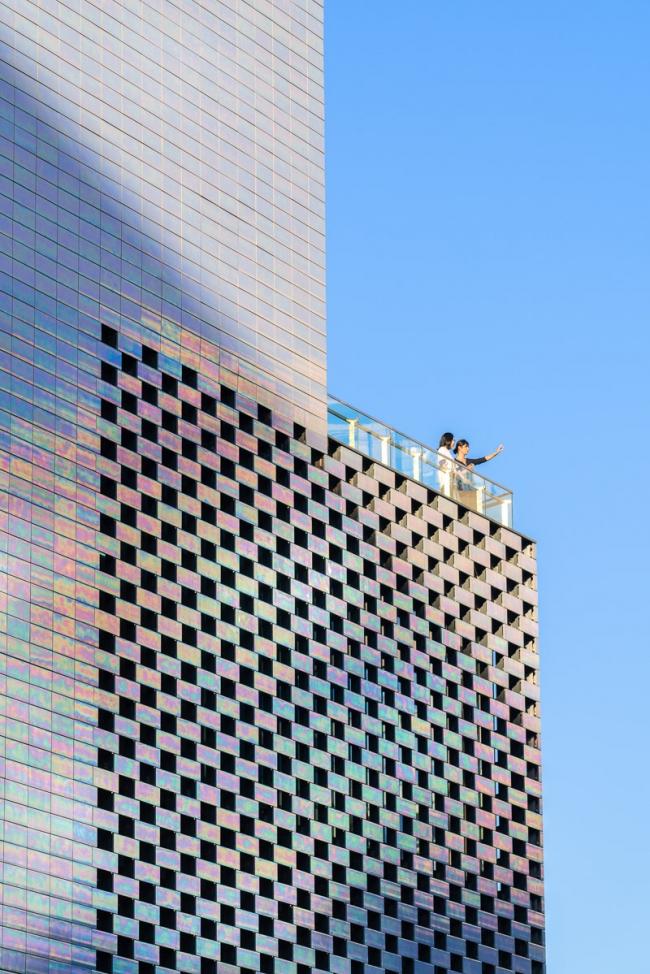 Торговый центр KWG·M·CUBE. Фото © Seth Powers