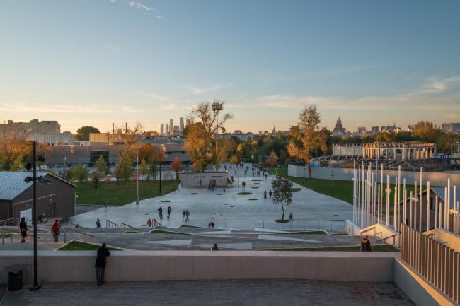 Новый вход в парк Горького со стороны Ленинского проспекта. Фотография: Алексей Народицкий
