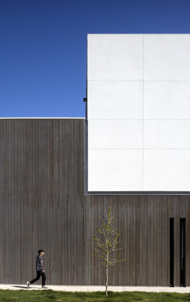 Многоквартирный дом на Джейсон-стрит. Фото © Astula, Inc.