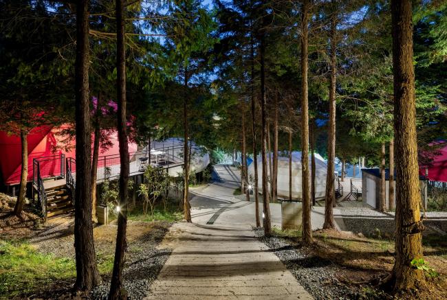 Глэмпинг-курорт SJCC. Фото © Kyungsub Shin, предоставлено Atelier Chang