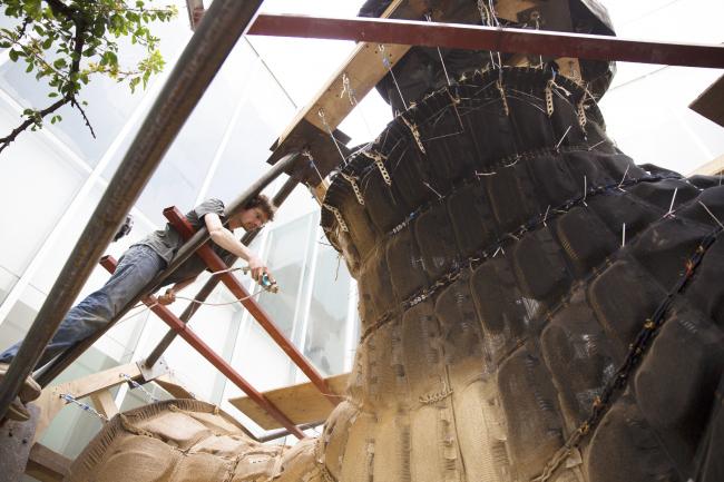 KnitCandela. Процесс изготовления. Фотография © Mariana Popescu. Предоставлена Zaha Hadid Architects