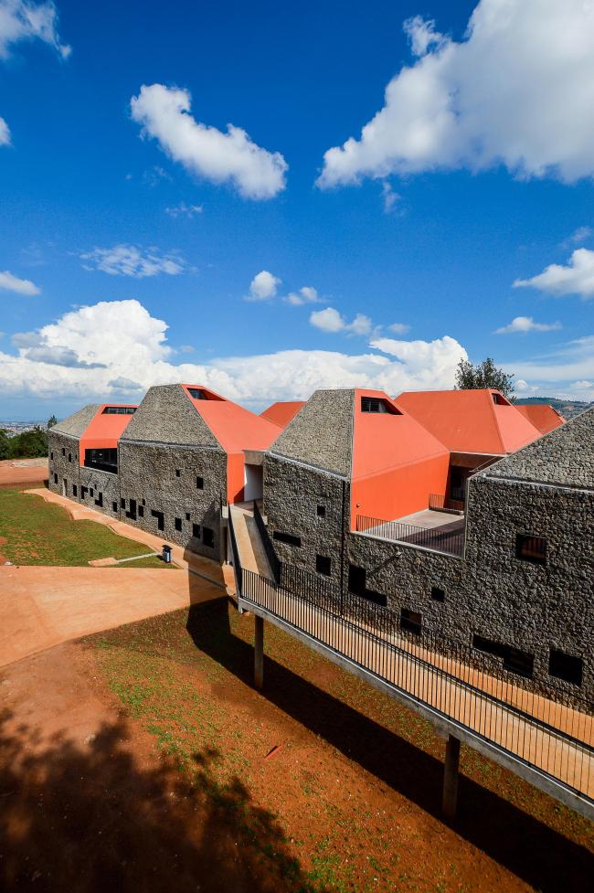 Факультет архитектуры и экологического проектирования. Фото © Edwin Seda