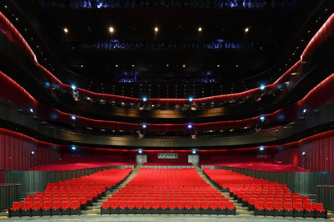 Центр исполнительских искусств Вэйуин. Фото © National Kaohsiung Center for the Arts (Weiwuying)