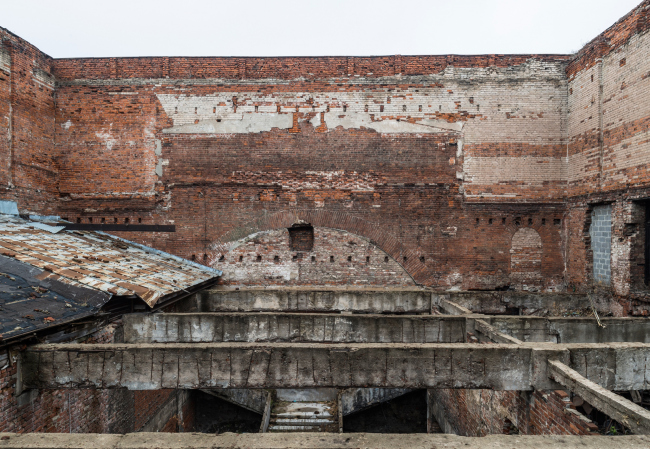 """The """"Garage"""" headquarters in Gorky Park. The ruin of the movie theater in the middle of the building. Photograph © Yuri Palmin"""