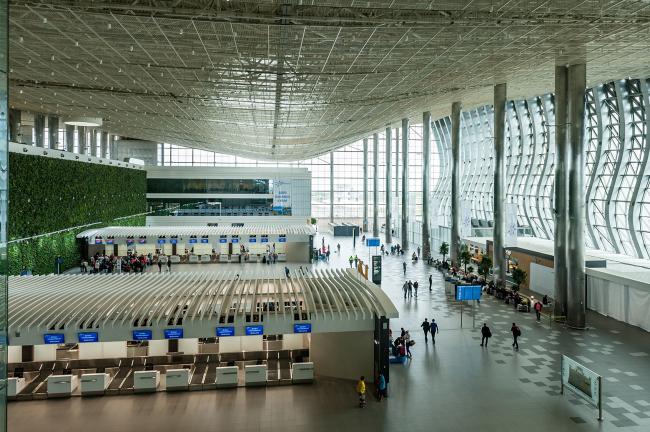 Международный аэропорт «Симферополь». Фотография © Юрий Югансон