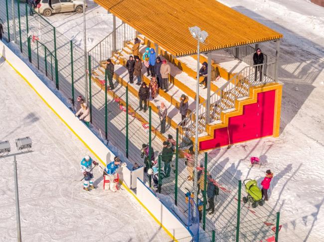 Трибуны и третья очередь благоустройства дворового пространства ЖК «Фаворит», Пенза. Фотография © Захар Завьялов, RCPark, ГК Рисан