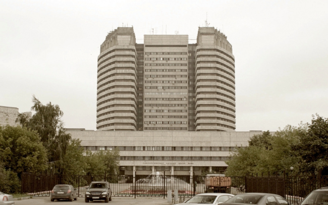 """The building of """"N. N. Blokhin National Medical Research Centre of oncology"""" of the Health Ministry of Russia on the Kashirskoe Highway. Photo courtesy by Asadov Bureau"""