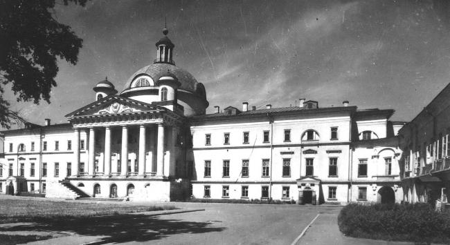 The historical building of the City Clinic #1 named after Nikolai Pirogov, Photo courtesy by Asadov Bureau