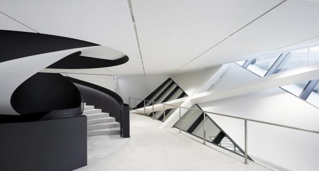 Музей современного искусства MO. Фото © Hufton + Crow