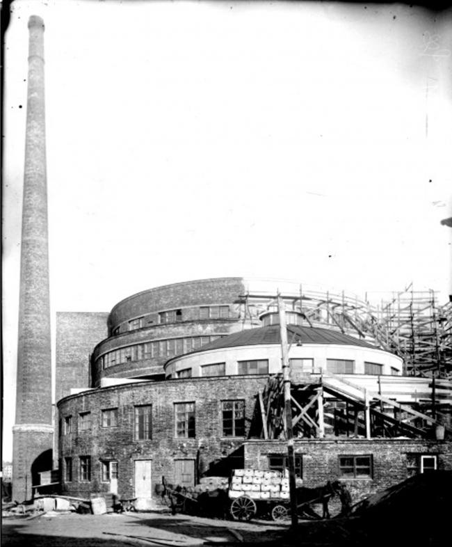 Вид здания завода с западной стороны участка, окончание строительства. 1933 г. © ЦГА КФФД. Др 10979