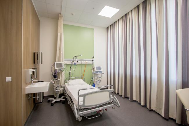 Международный медицинский кластер в Сколково. Интерьер палаты. Фотография © Архитектурное бюро Асадова