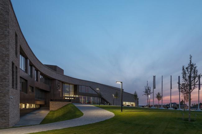 Школа «Летово», Atelier PRO, ATRIUM. Фотография © Алексей Народицкий
