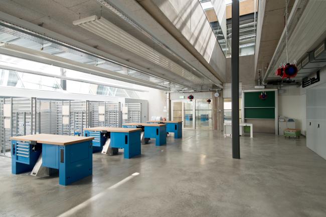 Корпус лабораторий и мастерских Центра ПТУ Грац-Санкт-Петер. Фото © Michael Wallraff