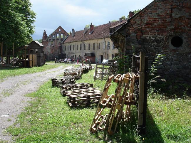 Руины замка Инстербург - место проведения фестиваля Инстерфест