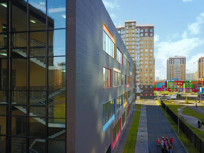 Школа №28 в Люберцах. Архитекторы: Дмитрий Чернышов, Лидия Воеводина